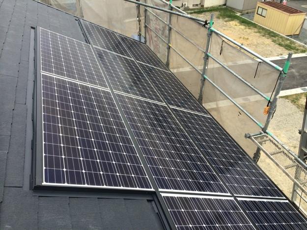 3太陽光ソーラーパネル設置風景A