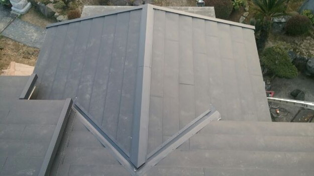 1423483540825屋根リフォsーム工事葺き替え作業完成