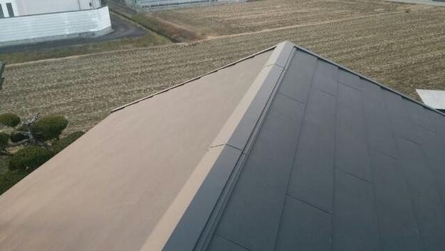 1423483604637屋根リフォーム工事葺き替え作業完成