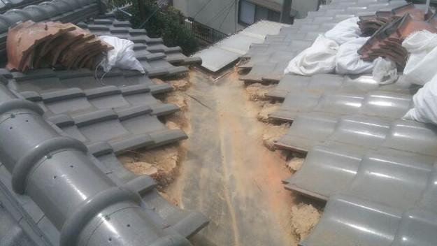 1427073727445屋根板金部修理中