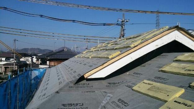1427521722879新設屋根材取付作業