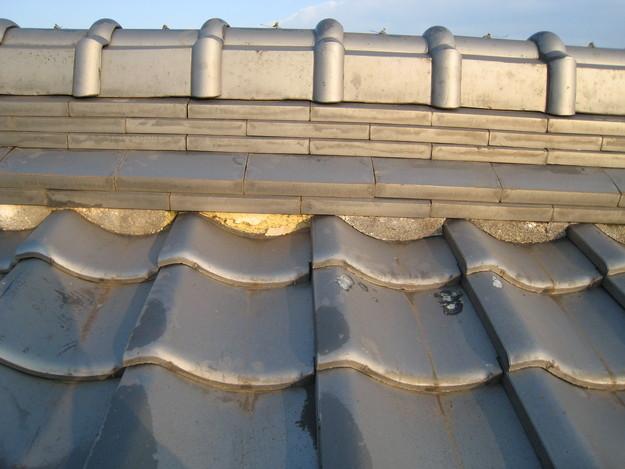 屋根修理 ラバーロック工法による瓦の補強工事 加古川市 漆喰修理前
