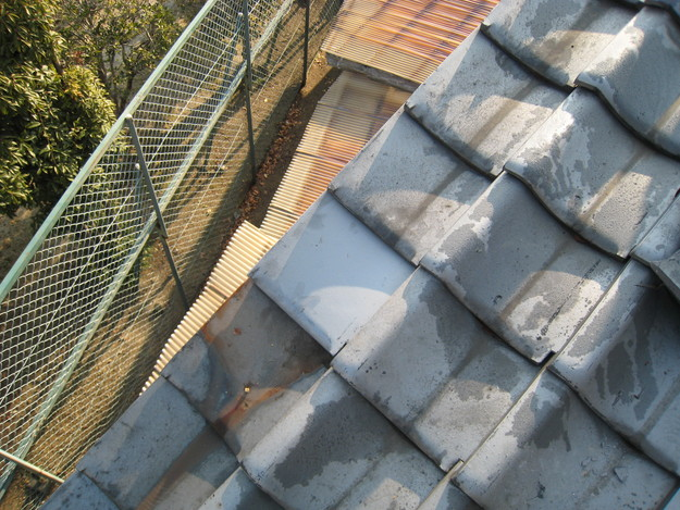 屋根修理 ラバーロック工法による瓦の補強工事 加古川市 施工前写真