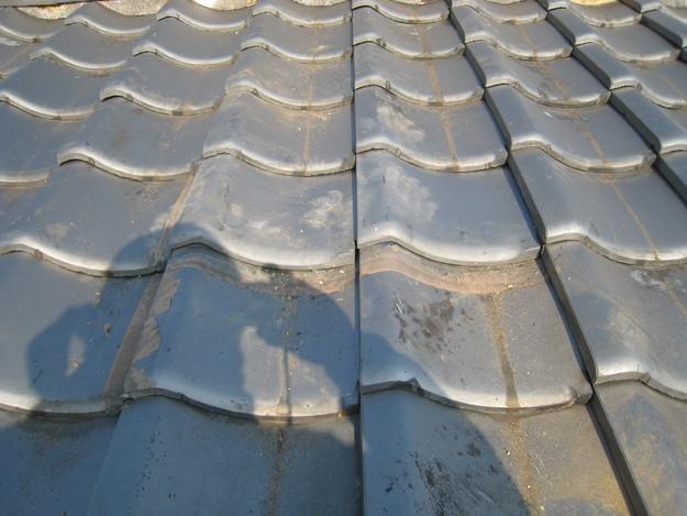 屋根修理 ラバーロック工法による瓦の補強工事 加古川市。施工前写真