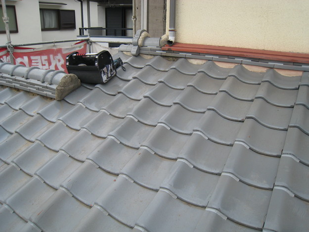 IMG_0340瓦ラバー工事中 屋根修理 姫路市の写真