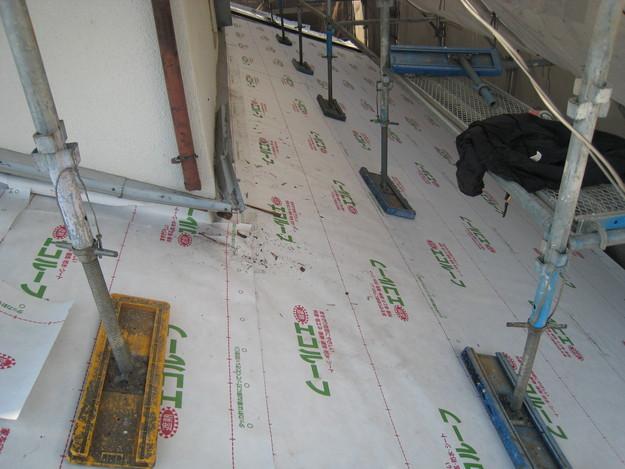 IMG_0364防水屋根下地材設置中