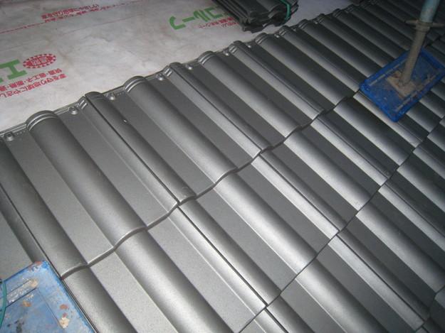 IMG_0372新設屋根材敷設中