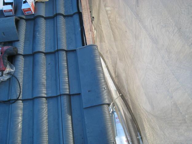 IMG_0373新設屋根材敷設中