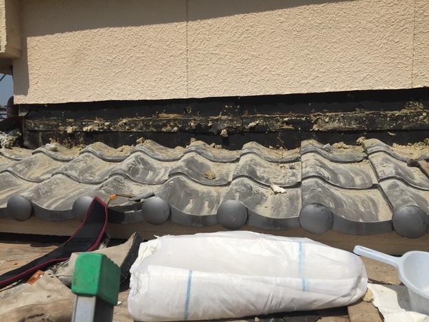 下屋根壁際庇修理中1432895593517