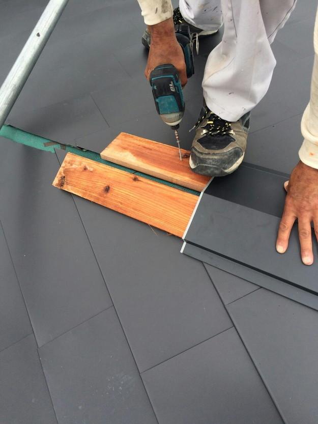 屋根リフォーム工事カバー工法ガルバリウム屋根金属製敷設1432211880107