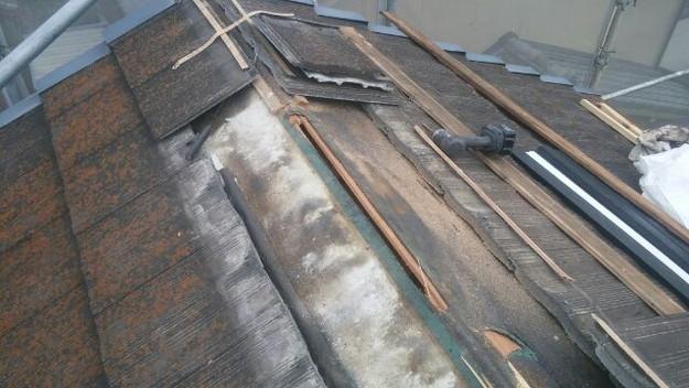 屋根裏換気システム設置中1432471503112