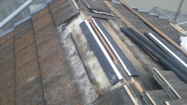 屋根裏換気システム設置中1432471513371