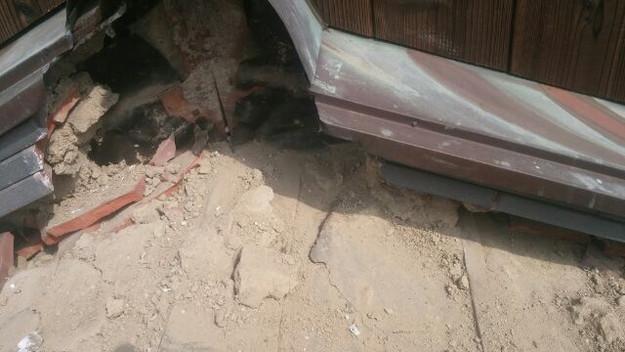 雨漏り修理中1433247169774