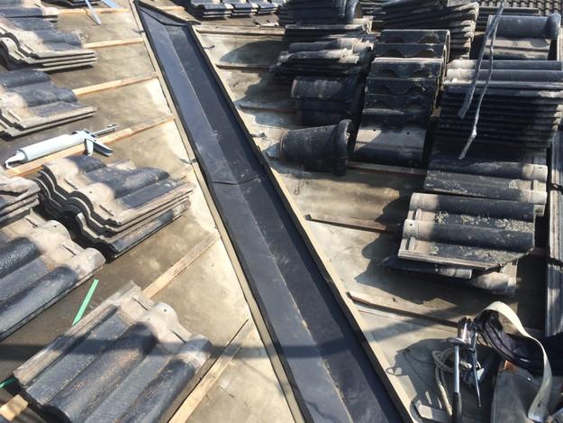 雨漏り対策谷板金交換工事1427973205618