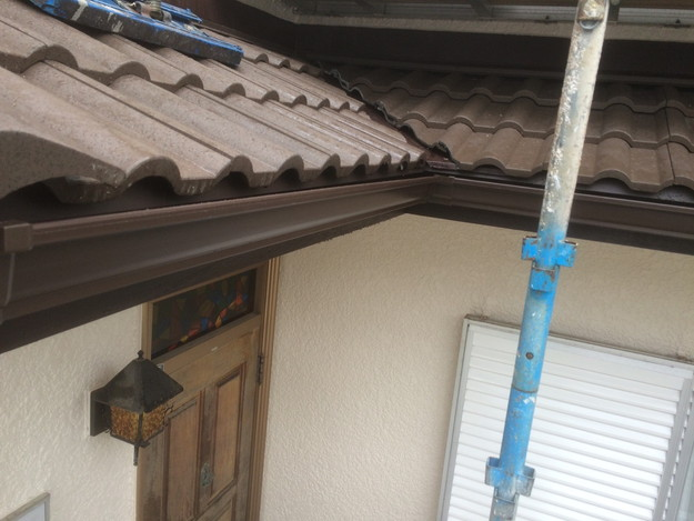 リフォーム後の屋根と雨樋1430791519219