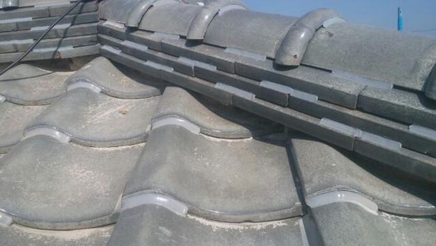 台風対策瓦のズレ防止ラバーロック工法屋根工事1433247815626