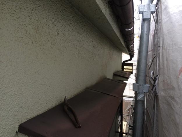 屋根リフォーム前現場写真外壁回り1429233391038