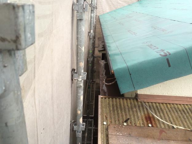 屋根リフォーム屋根防水下地材敷設中写真1429233410659