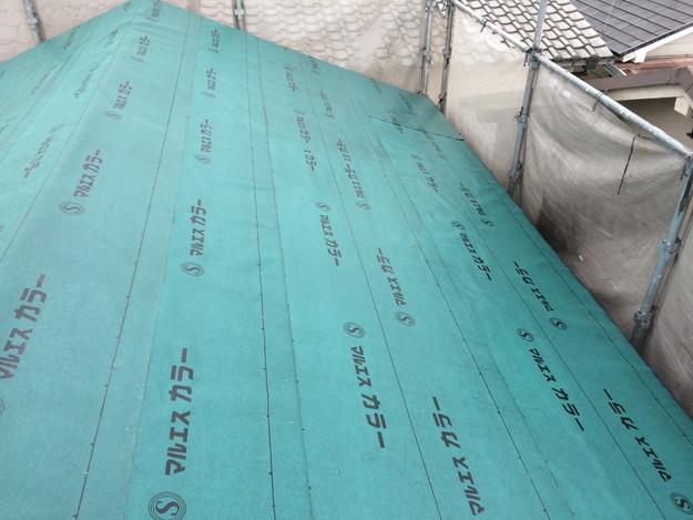 屋根リフォーム屋根防水下地材敷設中写真1429233415386