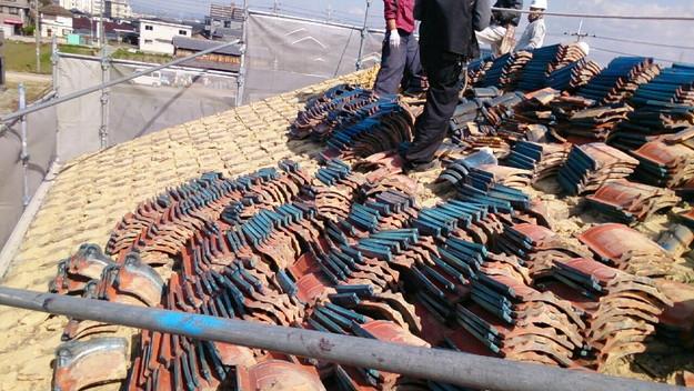 屋根リフォーム工事既存瓦撤去作業1430704443854