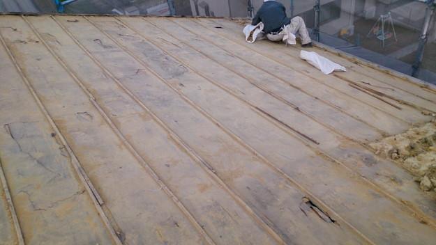 屋根リフォーム工事既存瓦撤去作業1430704462091