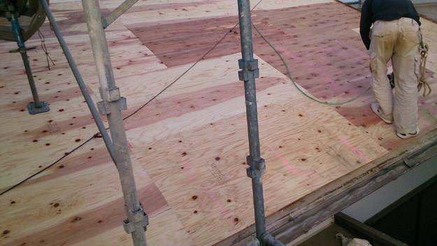 屋根リフォーム補強修理工事作業1430704521156