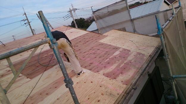 屋根リフォーム補強修理工事作業1430704525540