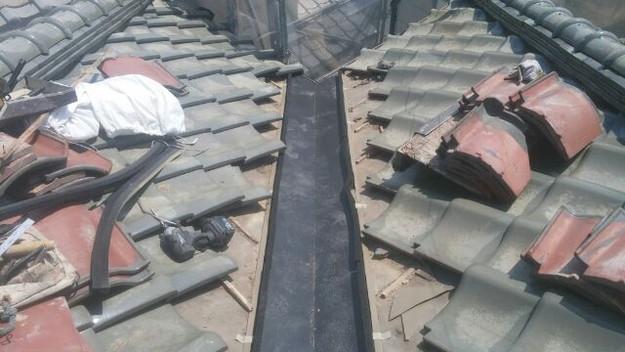 屋根修理板金新設材敷設中1433248047334