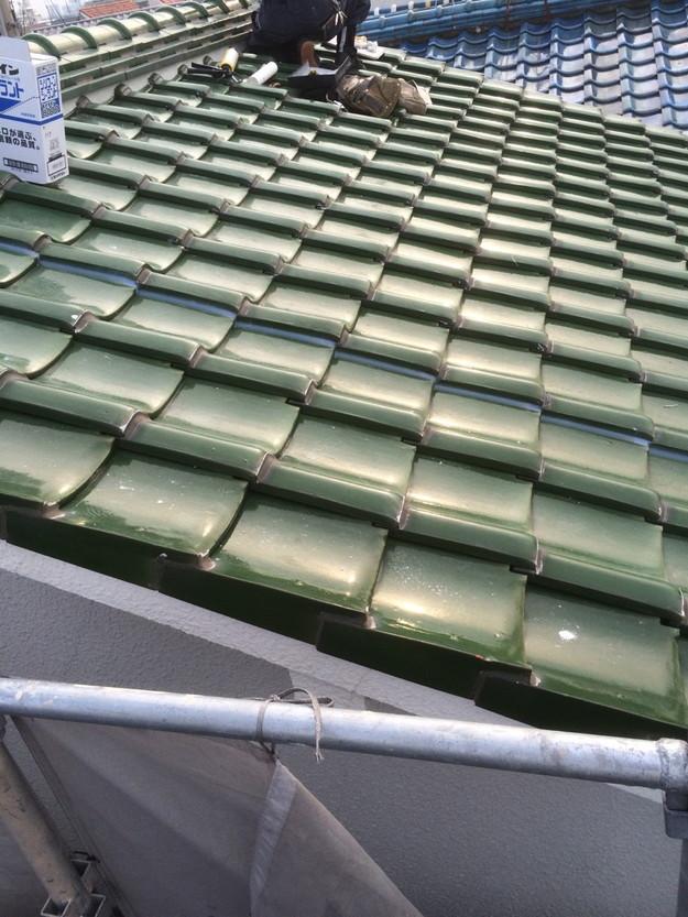 屋根修理棟漆喰修理作業中1429233476447