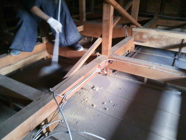 屋根裏清掃1430704471148