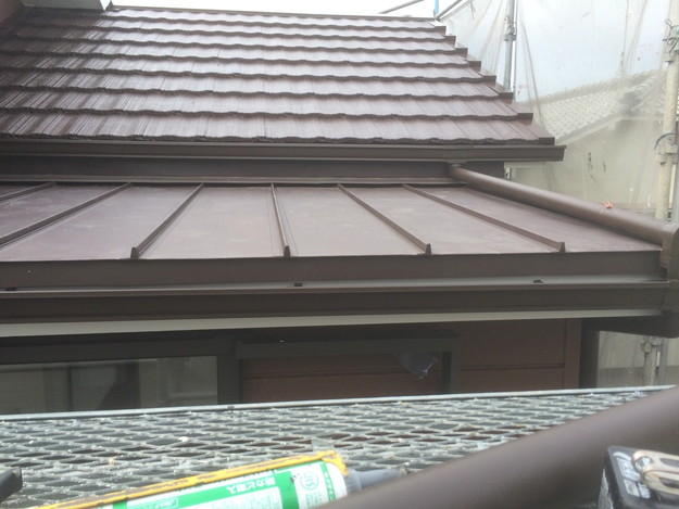 改築部屋根ガルバリウム製立平葺き工事1432470190783