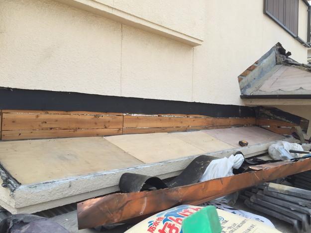 雨漏り修理工事中写真1432895574692