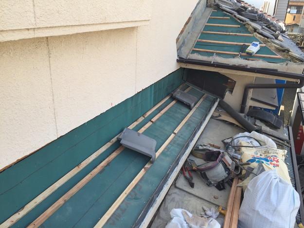 雨漏り修理工事中防水シート張り1432895561802