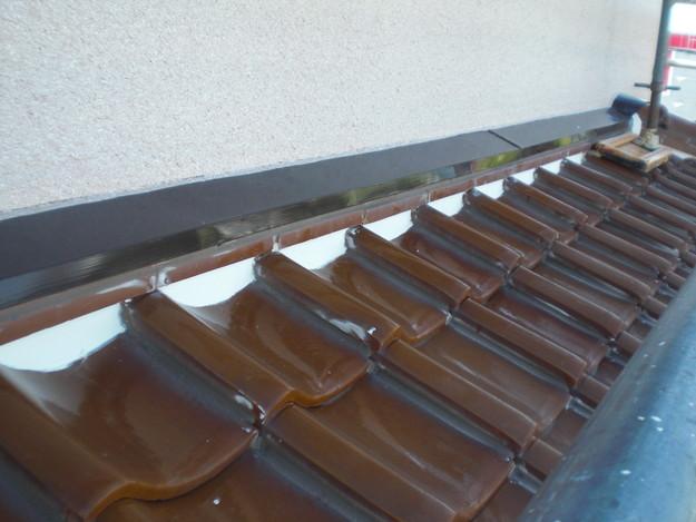 雨漏り対策工事施工後壁際漆喰箇所CIMG1341