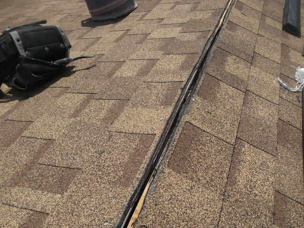 屋根葺き替えリフォーム中屋根裏換気棟設置DSCF1869