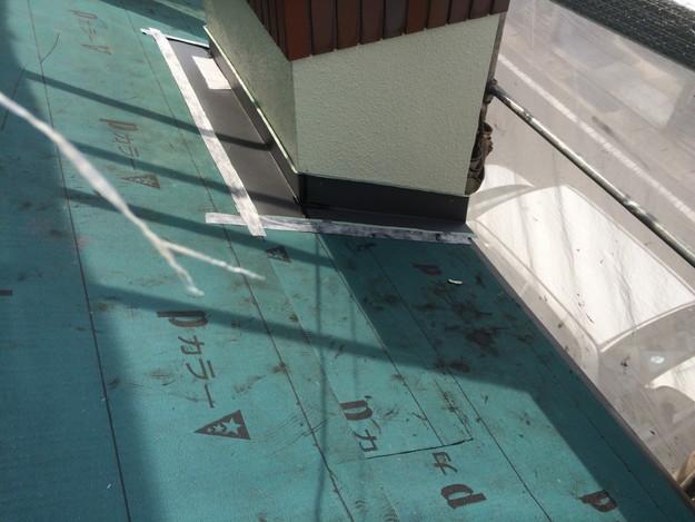 屋根防水シート敷設中1434975881091
