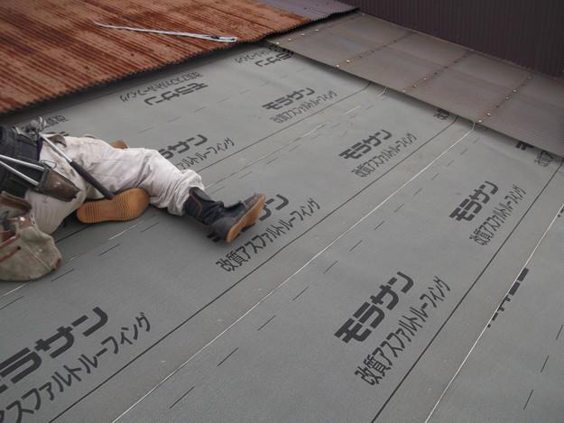 屋根防水シート敷設中DSCF1862