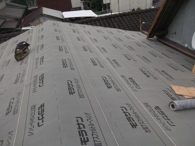屋根防水シート敷設中DSCF1864