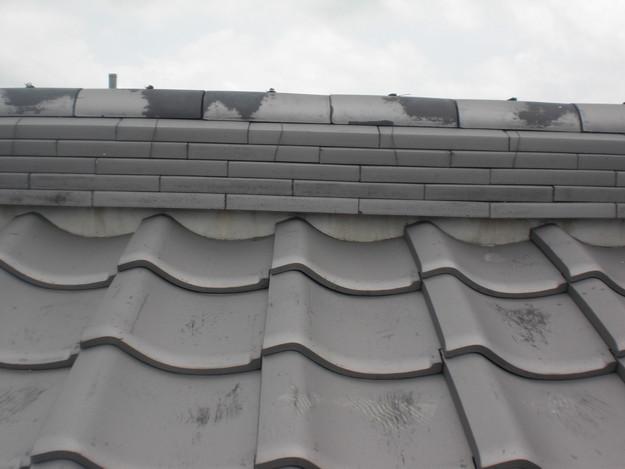 棟瓦の漆喰工事前CIMG1426