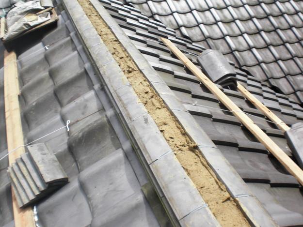 お寺の屋根工事棟瓦CIMG1459