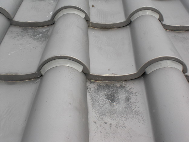 ラバー工法瓦のずれ・めくれの雨漏り対策CIMG1422