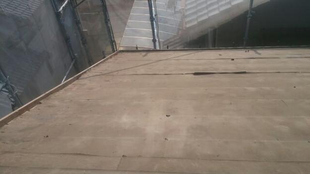 既存屋根材撤去完了写真