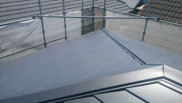 カバー工法による屋根のリフォーム工事完了写真1438572064586