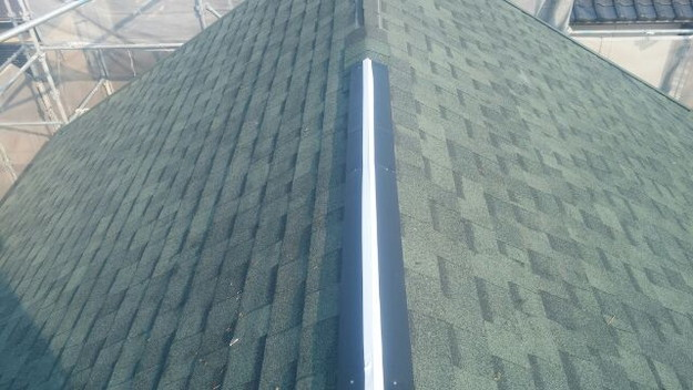 屋根裏換気システム設置中1438564482525