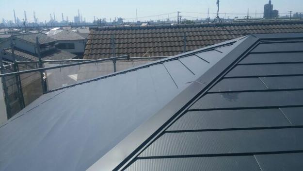 カバー工法による屋根のリフォーム工事完了写真1438572152738