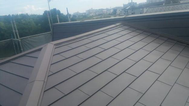 カバー工法による屋根リフォーム工事完了写真1439092212553