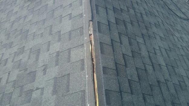 屋根裏換気システム設置中1438564502131