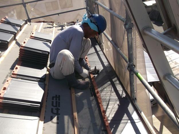 屋根のリフォーム新設瓦設置中DSCF2047