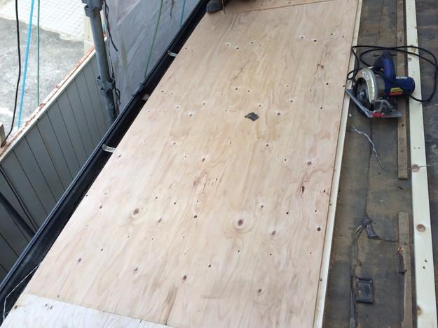 屋根下地づくりと補強工事屋根のリフォーム神戸市1441974752636