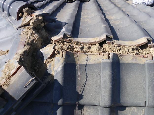 屋根漆喰交換作業中DSCI0330